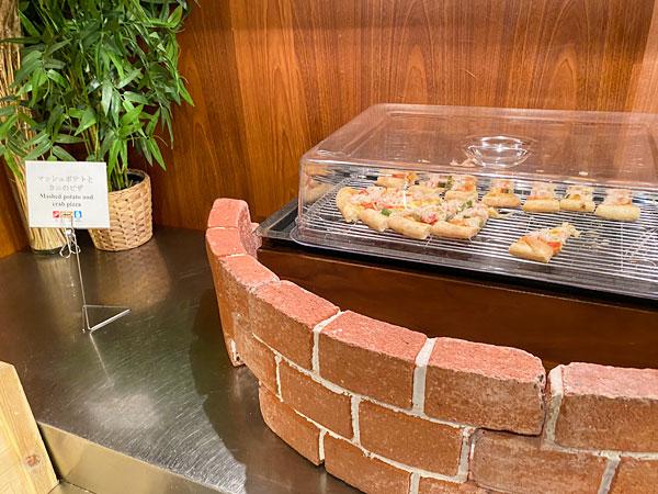 マッシュポテトとカニのピザ(ホテル日航大阪セリーナのランチブッフェ)