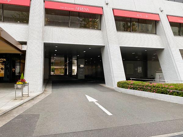 ホテル日航大阪正面側から駐車場に行く場合のルート