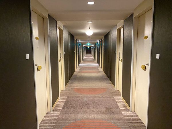 ホテル日航大阪9Fフロアの廊下