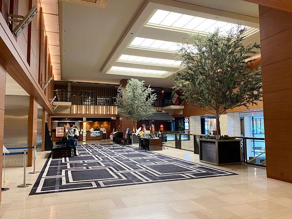 ホテル日航大阪のロビー