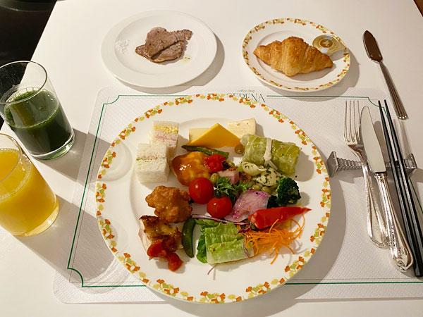 ホテル日航大阪のレストラン「セリーナ」でのランチブッフェ