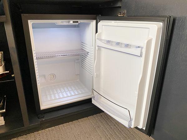 ホテル日航大阪の冷蔵庫内部