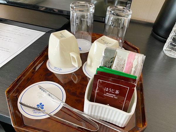 ホテル日航大阪のグラス、マグカップ、マドラー、アイストング、ティーバッグなど