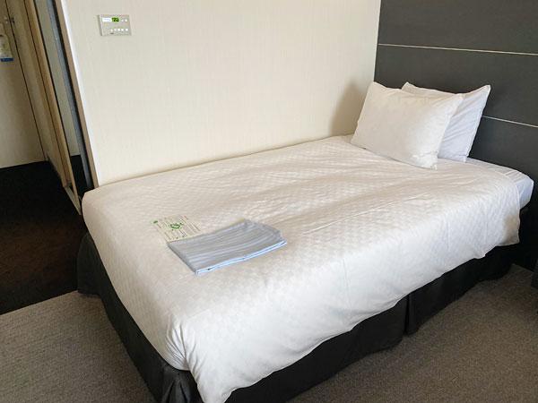 ホテル日航大阪のシモンズ製ベッド
