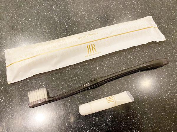 リーガロイヤルホテル大阪のアメニティ(歯ブラシ)