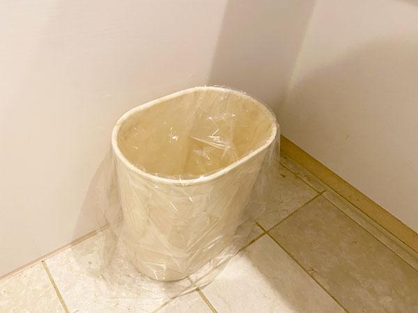 洗面所のゴミ箱(リーガロイヤルホテル大阪)