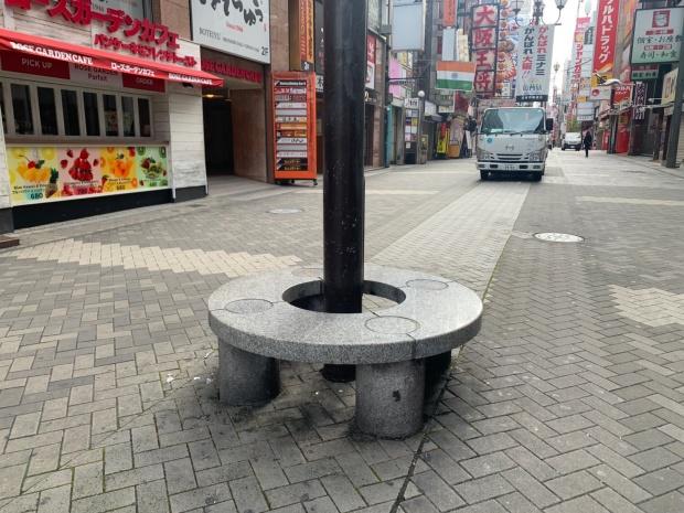 道頓堀の椅子
