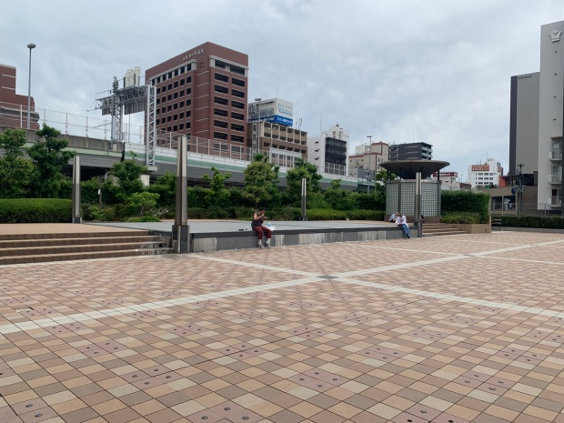 港町リバープレイスの広場