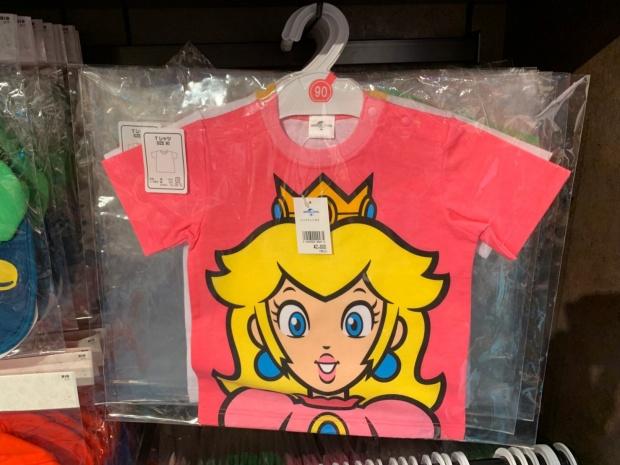 ピーチのTシャツ