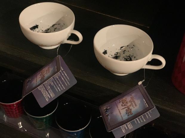 ハリーポッターの紅茶占いのティーカップ