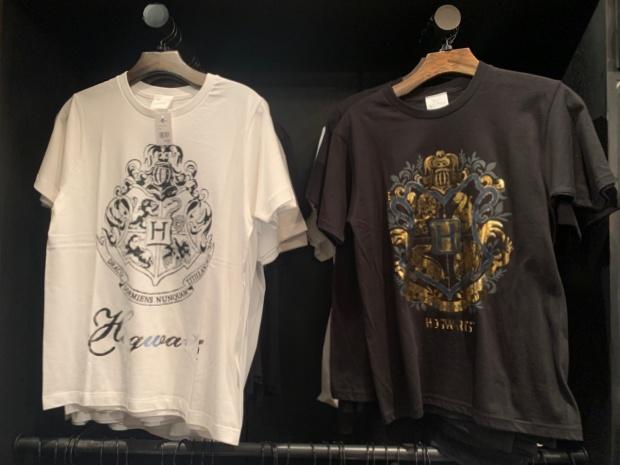 ホグワーツ寮のTシャツ