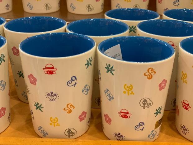 ワンピースのアイコン入りマグカップ